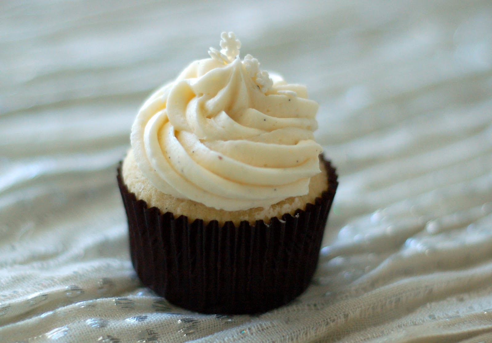 Vanilla Bean Cupcakes with Vanilla Bean Buttercream | The Pinterest ...